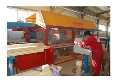 Výroba panelových prvků pro dřevostavby.
